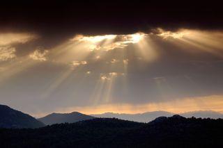 Light_through_clouds[1]